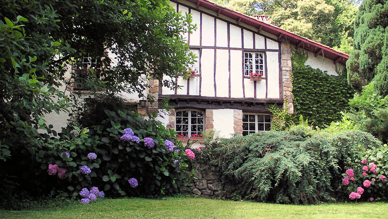 uxondoa,a bed and breakfast near biarritz, in the french basque